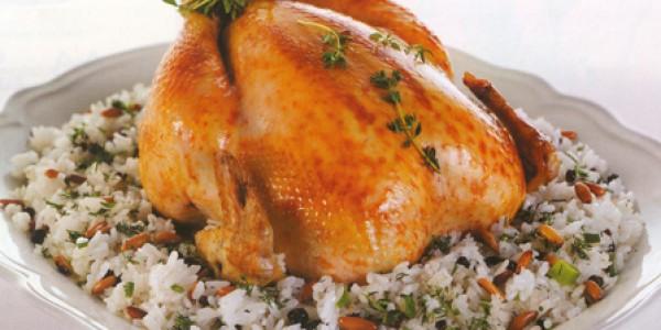 İçi Pilavla Doldurulmuş Bütün Tavuk Dolması