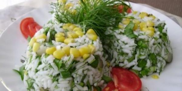 Pirinç Salatası