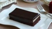 Pudingli Çikolata Soslu Kek
