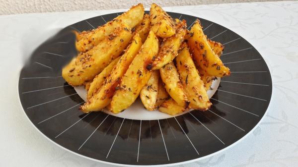 nefis-firinda-baharatli-susamli-citir-patates-9